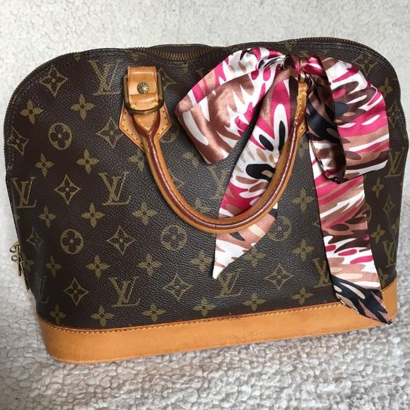 04b0628aa20f9 Louis Vuitton Handbags - Authentic Louis Vuitton Alma PM Handbag Born 1994!